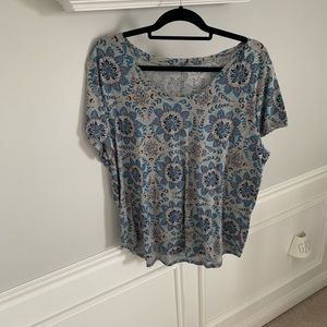 Like New! Loft Short Sleeve Top: Size XL